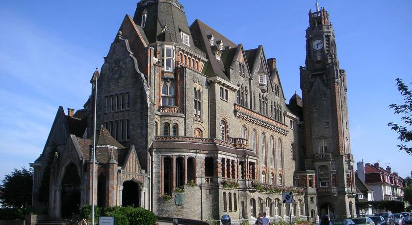 Rezervați la Campanile Amiens - Glisy