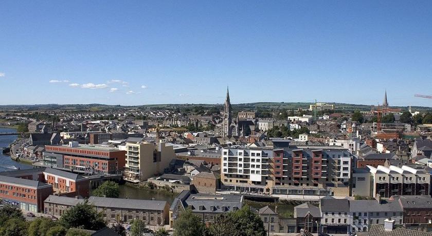 Dublin to Drogheda - 5 ways to travel via train, bus, taxi, car