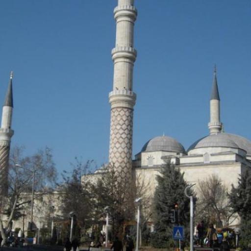 Üç-Şerefeli-Moschee