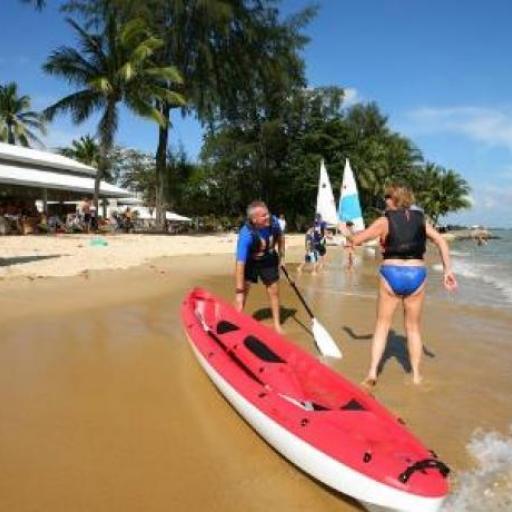 Mana Mana Beach Club