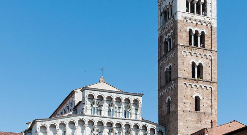 Kathedraal Van Lucca.Smart Travel Travel Guide Application